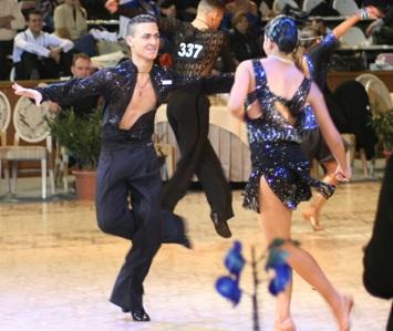 Perechea Fan Dance Valusescu Dominick- Popa Raluca