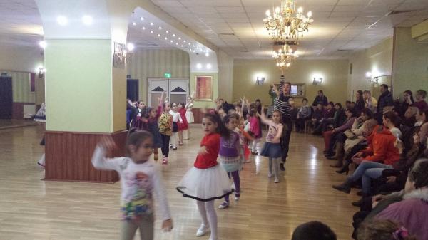 Micutii nostri dansatori